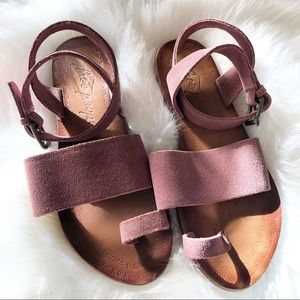 Free People Torrence flat sandal Mauve suede